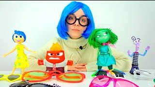 Игрушечные Супер Истории - Головоломка игрушки - Печаль примеряет очки