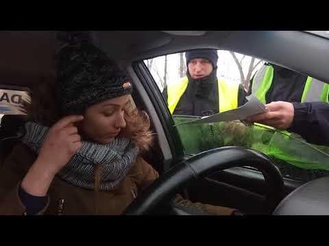 полиция тупит ,беспричинная остановка
