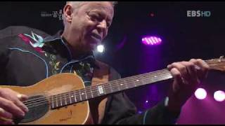 Tommy Emmanuel  - Windy & Warm + Classical gas, Seoul 2009