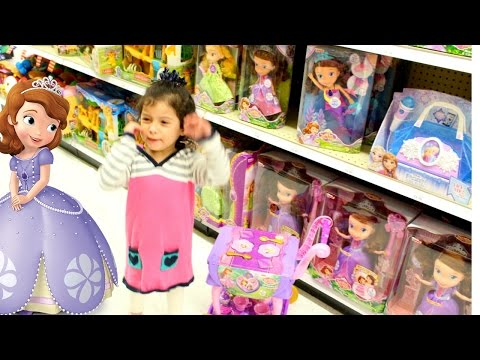 Dancing at Toys R Us! | Sofia the First Shopping and Dancing Toy Store SOFIA MP3 SING ALONG BOOMBOX