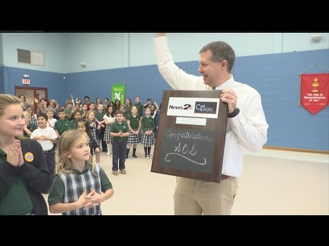 Summerville Catholic School receives the News 2 Cool School award