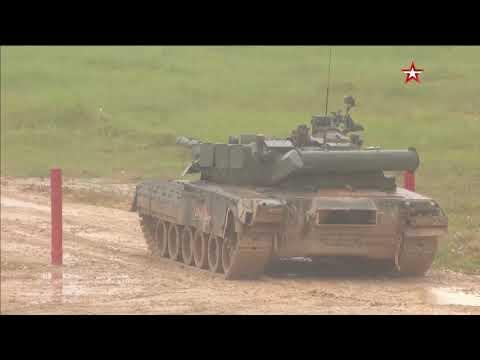 Показ вооружения и военной техники в первый день массового посещения форума «Армия-2019»