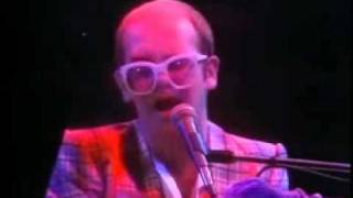 Elton John - Someone Saved My Life Tonight (solo live 1976) A Donnie Tranchina Video.mp4