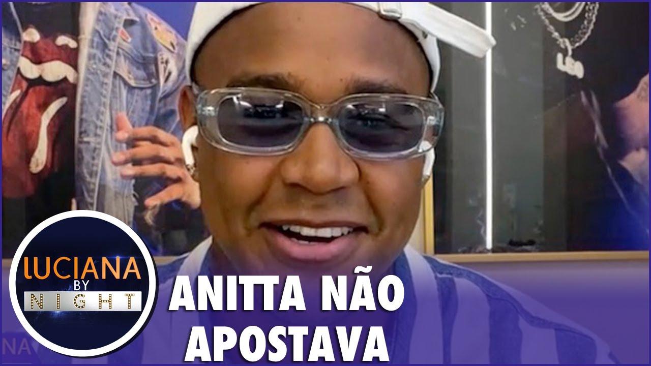 """Léo Santana conta como convenceu Anitta a gravar 'Contatinho': """"Nega, vamos nessa"""""""