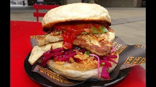 """Stud Muffin"" Gourmet Bun with Haloumi, Pepper Salsa, Rainbow Slaw, Artichoke.... London Street Food"