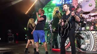 Download Nickelback ft. Avril Lavine in HD Rockstar at The Greek Mp3 and Videos