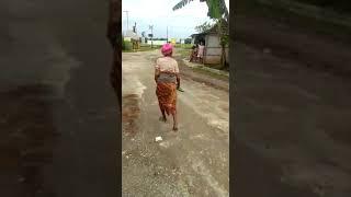 4 Mbah Warni Ngamuk sama Orang Sekung Nenek Misuh