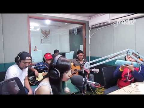 Angin Mamiri - Ten 2 Five di Indokustik Masih Sore Sore IRadio