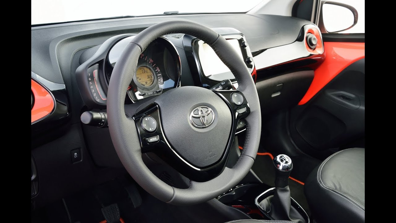 toyota aygo interior with x touch youtube. Black Bedroom Furniture Sets. Home Design Ideas