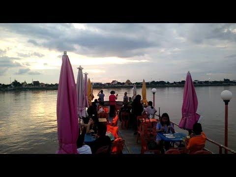 laos travel - Boat trip in mekong river