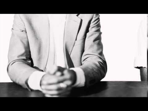 Hurts Devotion - Acoustic cover by Manès (voice) and Paul (guitar)