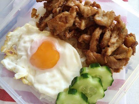 อาหารตามสั่งสูตรและวิธีทำหมูทอดกระเทียมไข่ดาวราดข้าว - Fried Pork with Garlic, Fried Egg over Rice