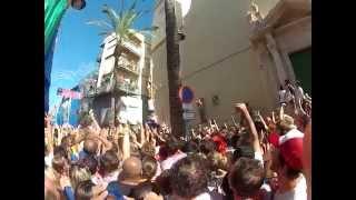 La Tomatina, Spain - Guy reaches the ham!
