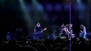 Pearl Jam - Arms Aloft in Aberdeen live in Dublin 2010