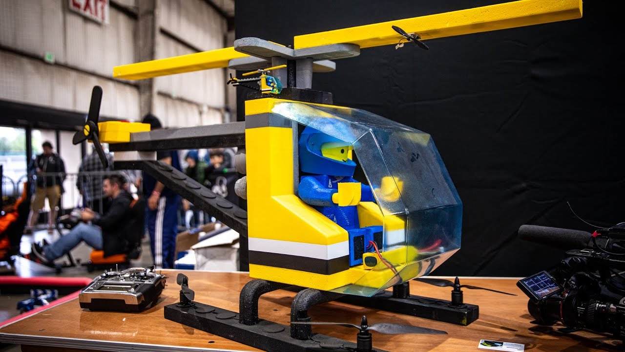 Giant Flying LEGO Helicopter!