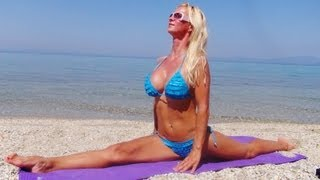 Bikini Girl does the Splits | Hot Yoga Splits Stretches Video HD