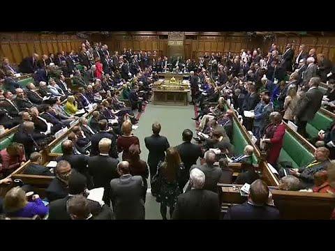 شاهد: نقاش حاد بين ماي وكوربين وصيحات استهجان في البرلمان البريطاني بسبب مسودة اتفاق -بريكست-…  - نشر قبل 29 دقيقة