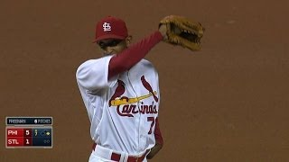 PHI@STL: Bugs buzz around in St. Louis