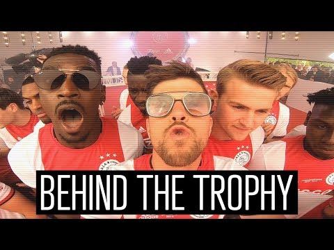 BEHIND THE TROPHY � |  Museumplein Schaalcam!