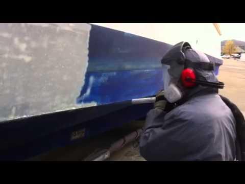 Antifoulling entfernen am 13m Stahlboot mit Trockeneis von Sikic Marine GmbH, Schweiz