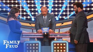 Casey Wilson & Craig Robinson's hand-to-hand combat! | Celebrity Family Feud