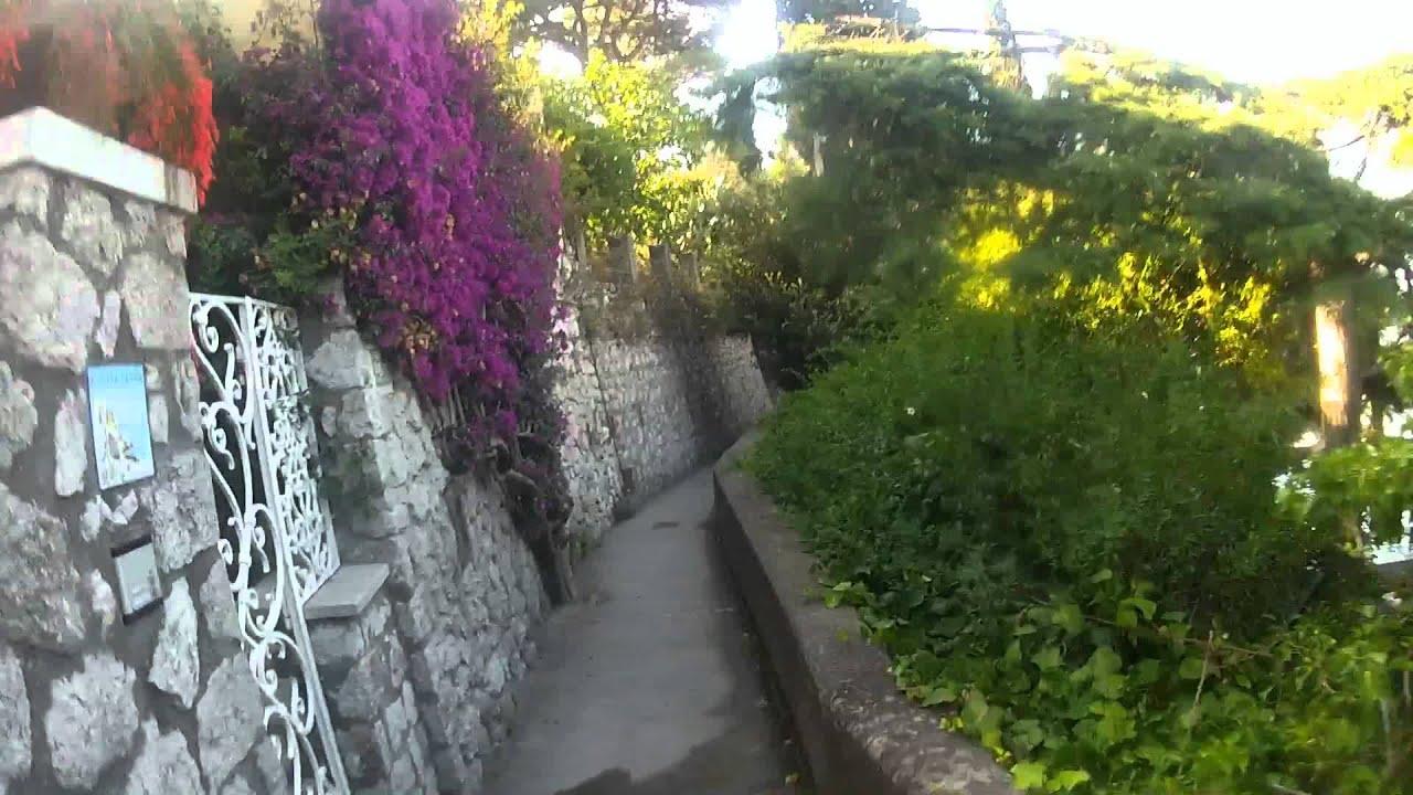 Le strade di capri punta cannone piazzetta youtube - Immagini di giardini di villette ...