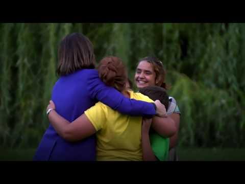 Joy for Syrian refugee family as daughter graduates - BBC News
