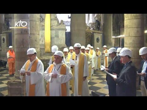 شاهد: مصلون يرتدون خوذا واقية يحضرون أول قداس في نوتردام منذ الحريق المدمر…  - نشر قبل 4 ساعة