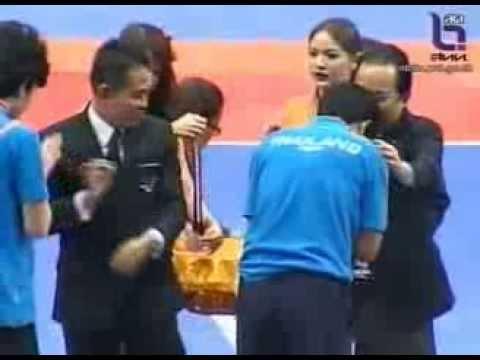 วรวีร์ โดนโห่ มอบถ้วยแชมป์ฟุตซอลอาเซียน