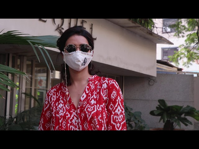Karishma Tanna Snapped At Bandra