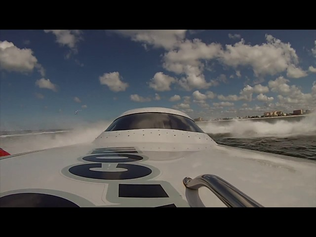 Close Call Clearwater Super Boat Grand Prix
