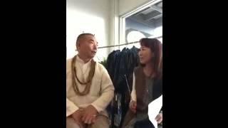 うさとの創業者でありデザイナーの佐藤卯三郎さんにラニ・ハワイがイン...