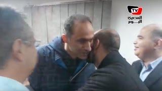 جمال وعلاء مبارك يحتفلان بالبراءة في «قتل المتظاهرين» بالغرفة الخلفية للقفص