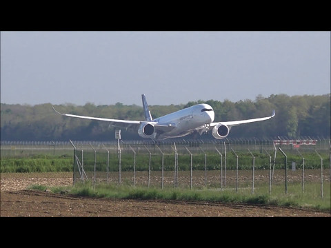 Airbus A350-1041 Airbus Industrie F-WMIL (Take off tests with One Engine)
