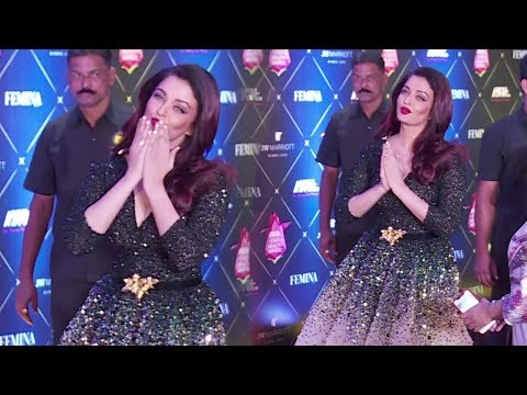 Aishwarya Rai Bachchan's GRAND ENTRY At Nykaa FEMINA Beauty Awards 2018