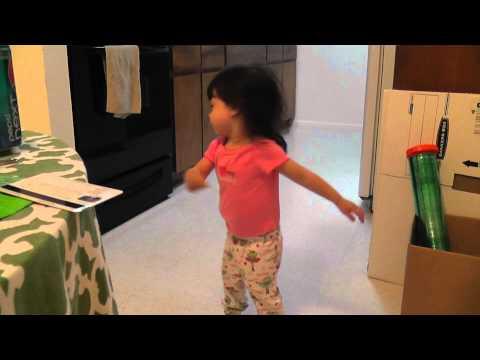 Annachan Dances to Koi no Mega Lover