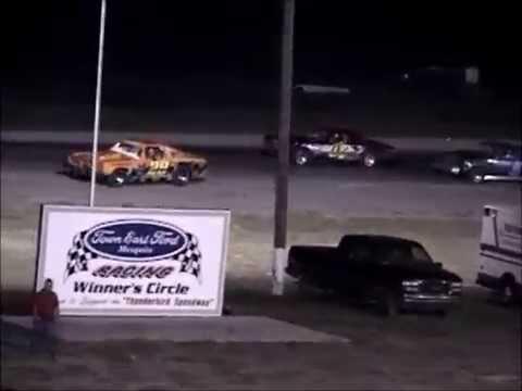 Street Stock Races   Thunderbird Speedway   Crandall TX   May 22, 2004