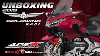 Honda's Goldwing Tour DCT: Unboxing & 1st Impressions
