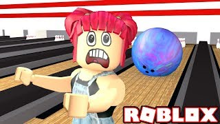 GIANT BOWLING BALL! | Escape the BOWLING ALLEY IN ROBLOX! | Amy Lee33