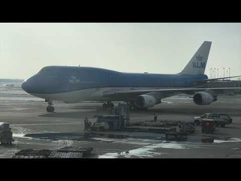 "KLM ""City of Tokyo"" 747 Upper Deck Business Class: ORD to AMS"