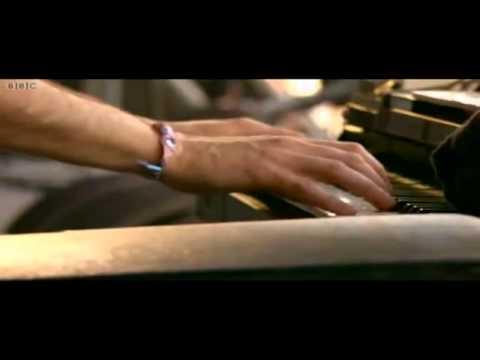 The Dead Weather - Cut Like A Buffalo (Live at Glastonbury 2010)