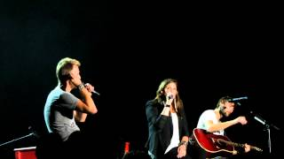 """When you got a good thing""  Lady Antebellum singing Live"