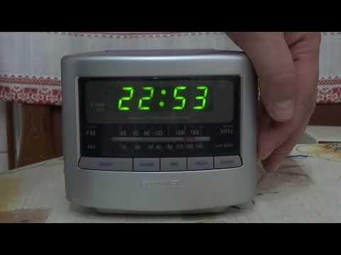 Radio with clock AIWA FR-A45EZ (Tokyo Japan)