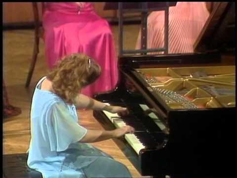 Nataša Veljković -- Bach: Konzert d-Moll, BVW 1052