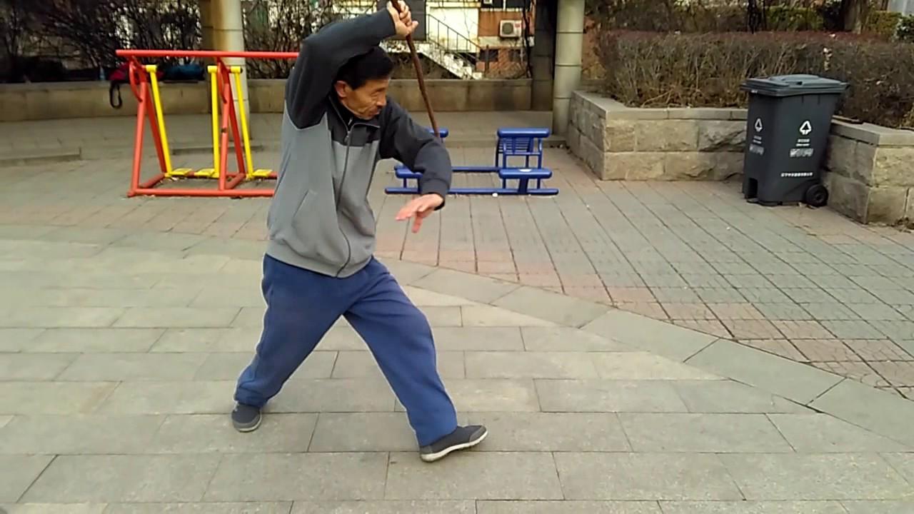Download Xingyi masters Zheng Xuewen is practicing Xingyi knife 形意名家郑学文大师练形意刀
