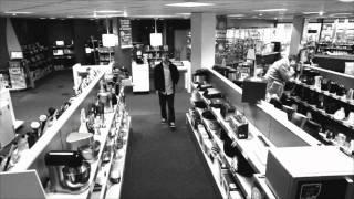 Кража телевизора или вирусная реклама?(Ролик сделанный как запись кражи с камер видео наблюдения в магазине электроники на самом деле оказался..., 2012-01-10T08:32:43.000Z)