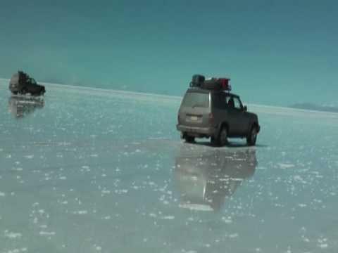 画像: ウユニ塩湖(ボリビア) youtu.be