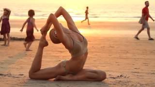 Mantras Yoga | Modelo grabada de icognito ... lee la historia