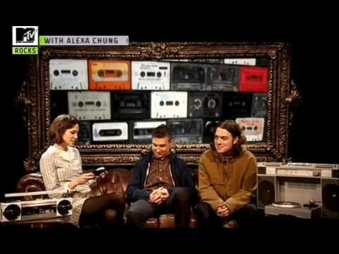 Gonzo : Alexa Chung meets Matt Helders and Nick O'Malley - Part 1/2