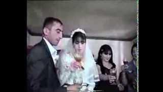 глупые жених и невеста.